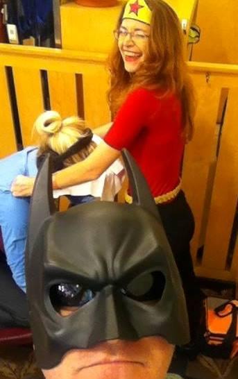 Batman photo bombs Wonderwoman