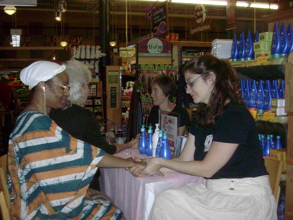 2009-05-md-hand-cleint-sandra-amber