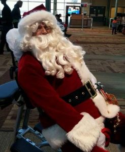 santa-in-massage-chair-ed